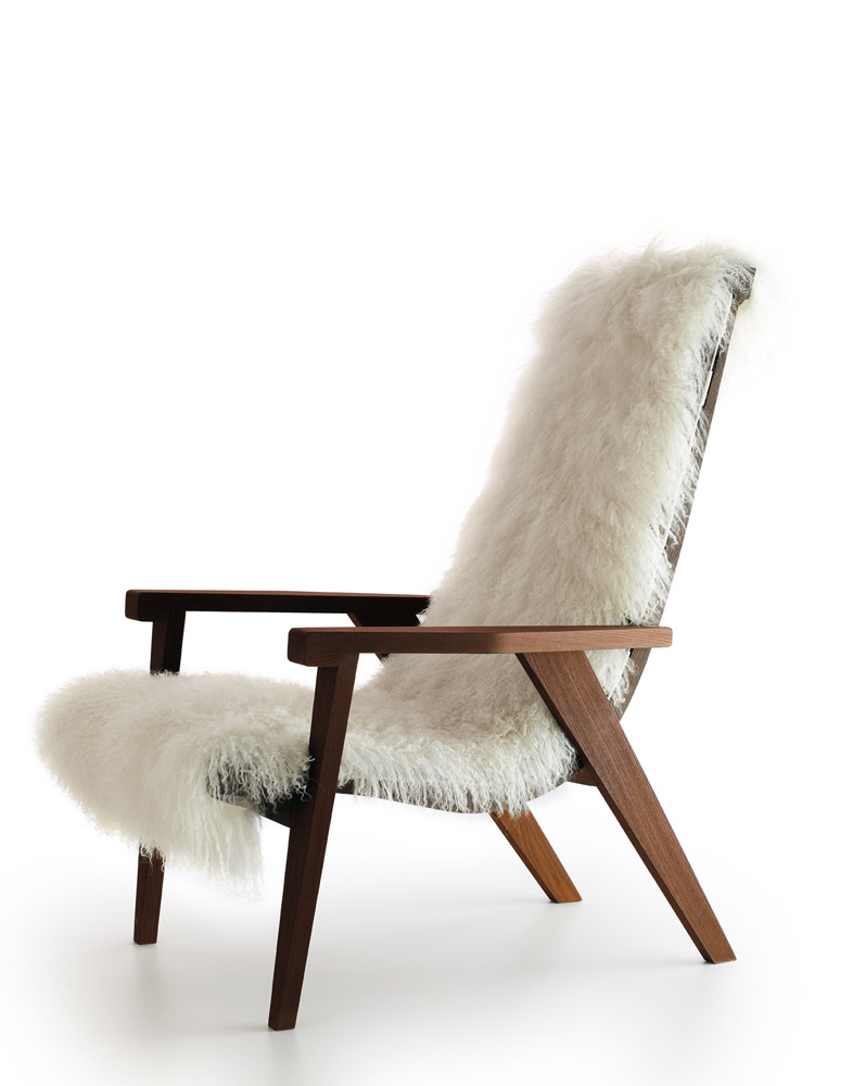 gem tlicher sessel mit fell b b italia. Black Bedroom Furniture Sets. Home Design Ideas