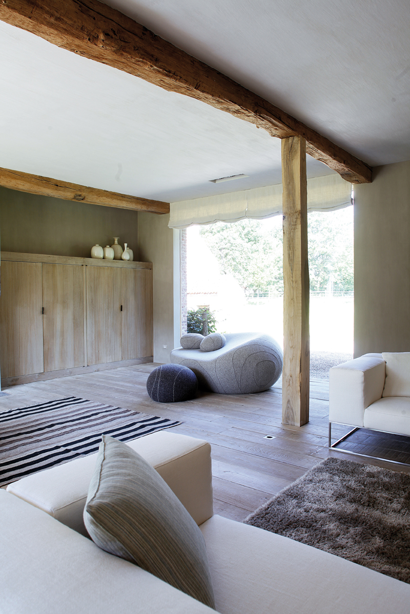 design rustikal ein landhaus in den ardennen. Black Bedroom Furniture Sets. Home Design Ideas