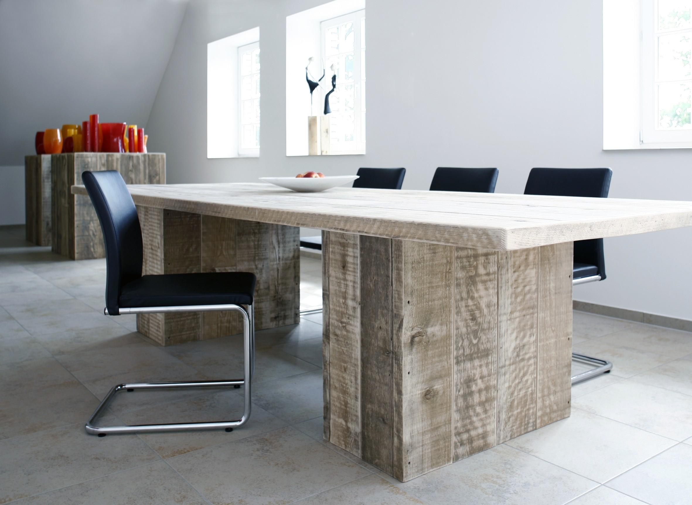Bauholz Design bauholz design tisch aus gebrauchten bohlen