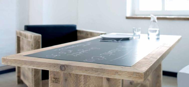 recycling m bel aus gebrauchten bohlen. Black Bedroom Furniture Sets. Home Design Ideas