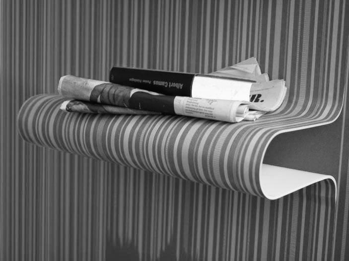regal hinter der tapete off the wall von kicki edgren nyborg. Black Bedroom Furniture Sets. Home Design Ideas