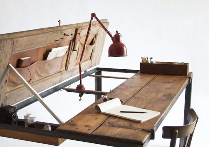 recycling ein schreibtisch aus einer alten t r. Black Bedroom Furniture Sets. Home Design Ideas