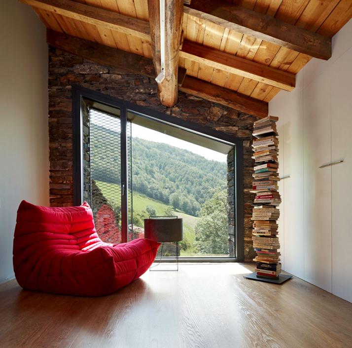 ein landhaus in spanien. Black Bedroom Furniture Sets. Home Design Ideas