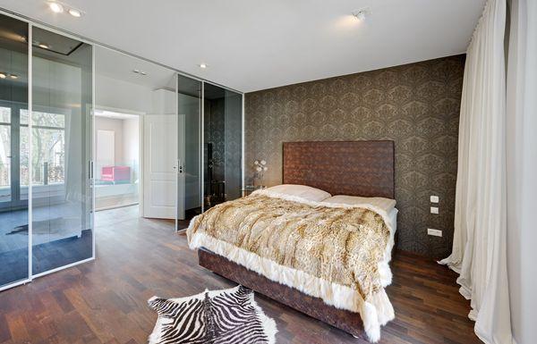 Hervorragend Extravagant: Kingsize Bett Und Luxuriöse Tapeten