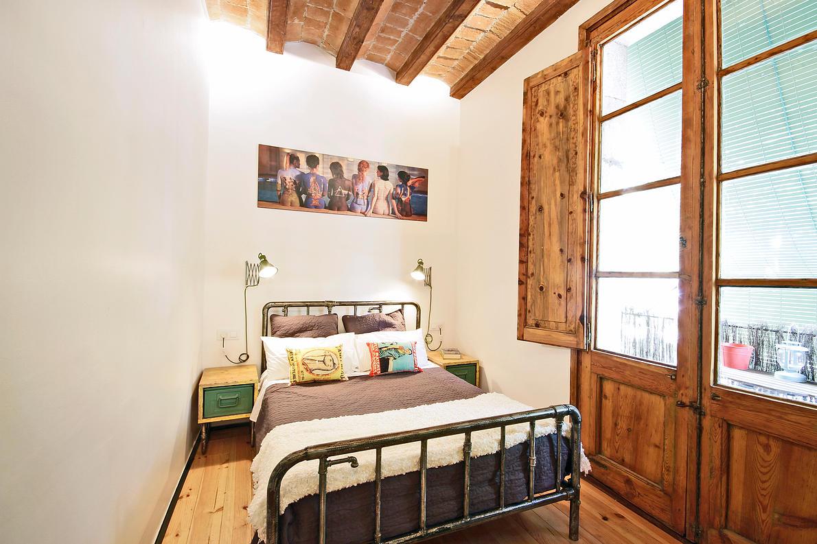 recycling ideen ein metallbett aus alten rohren. Black Bedroom Furniture Sets. Home Design Ideas