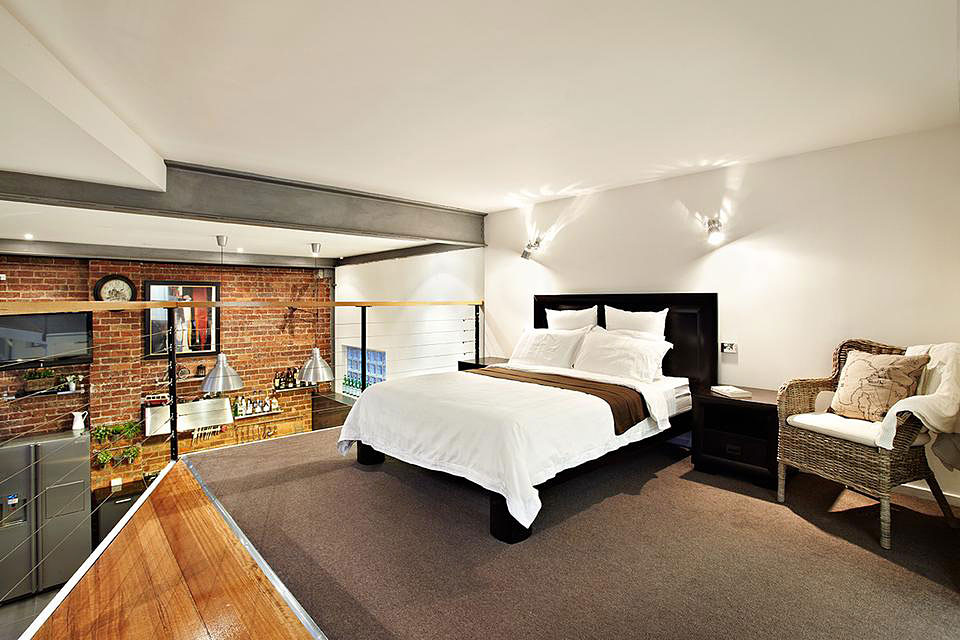 loft einrichten ein altes lagerhaus in melbourne. Black Bedroom Furniture Sets. Home Design Ideas